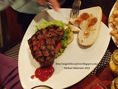 Murray and D'vine – Burgers filled with Love!