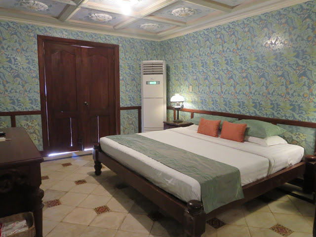 hotel rooms at las casas bataan
