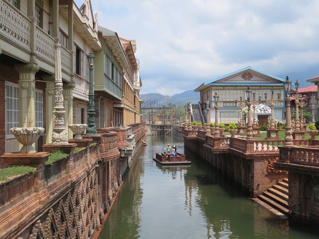 canal cruise las casas de acuzar bataan