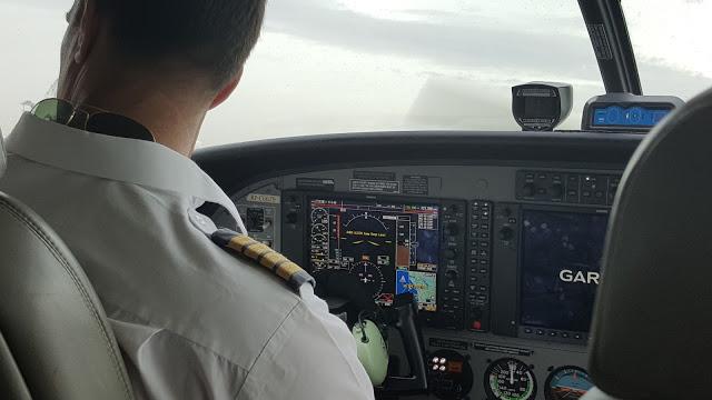 cessna pilot controls