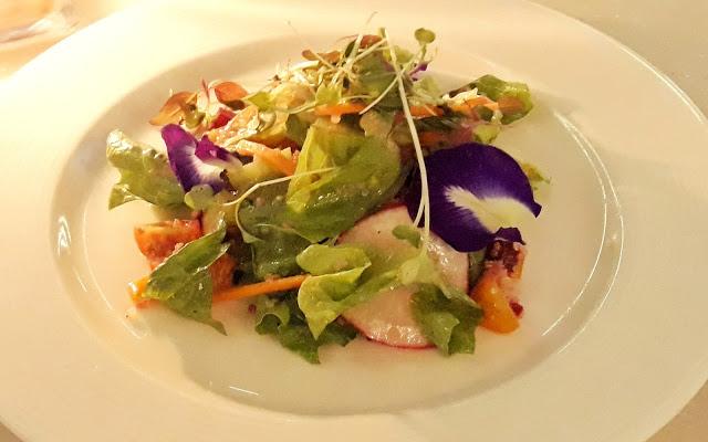 taza-fresh-table-restaurant-taal-vista