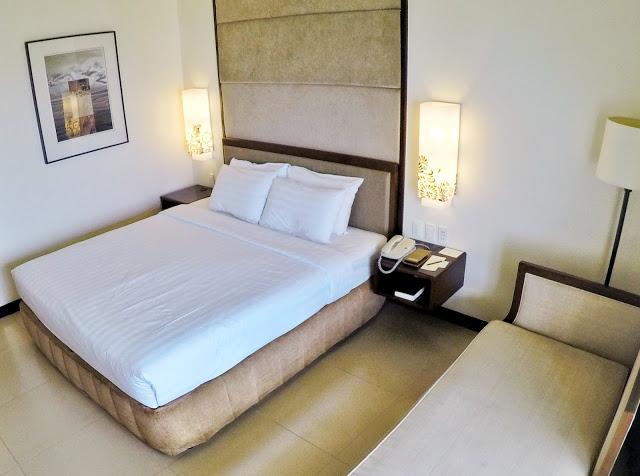 taal vista hotel room