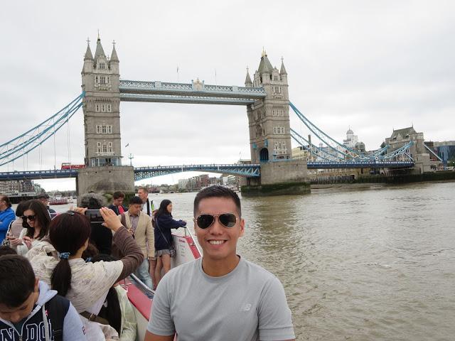 tourists around tower bridge london