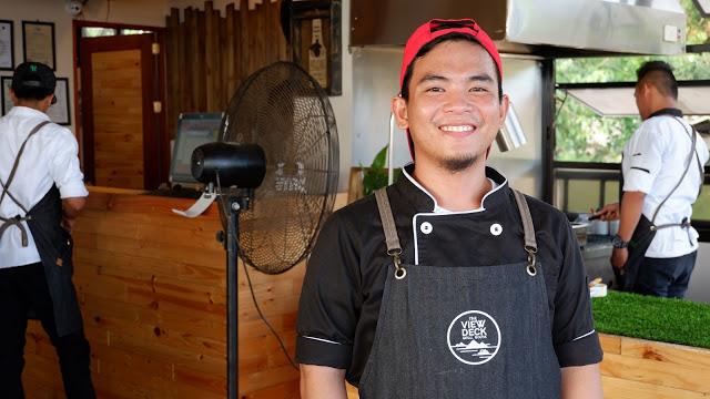 chef-at-viewdeck-grill-coron-palawan