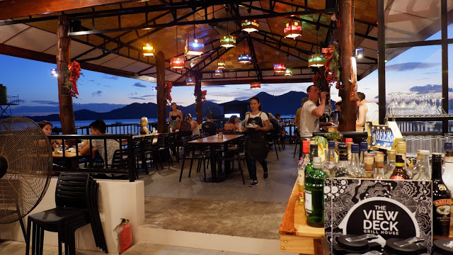 viewdeck restaurant coron