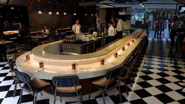pound restaurant mall of asia