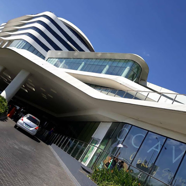 conrad luxury hotel manila