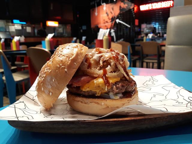 8 cuts burger alabang town center