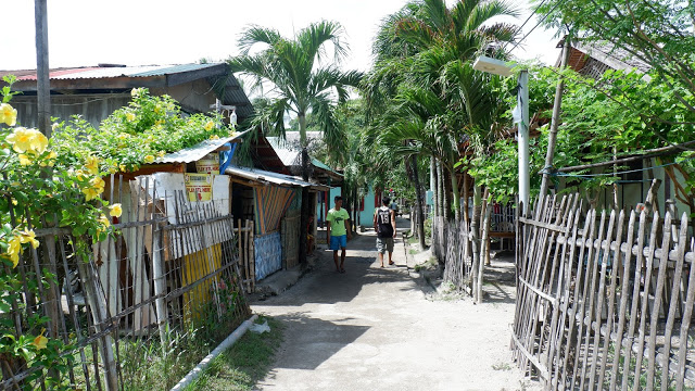 fishing village in apo island