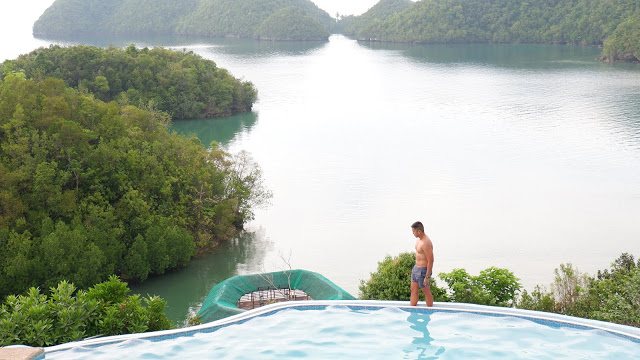 perth paradise infinity pool sipalay