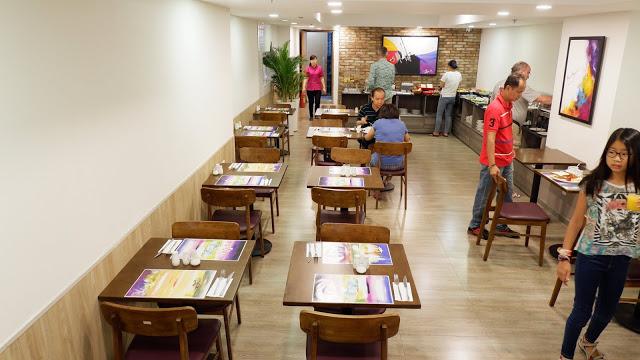 avanti boutique hotel buffet area