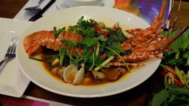 lobster-pho-vietnam