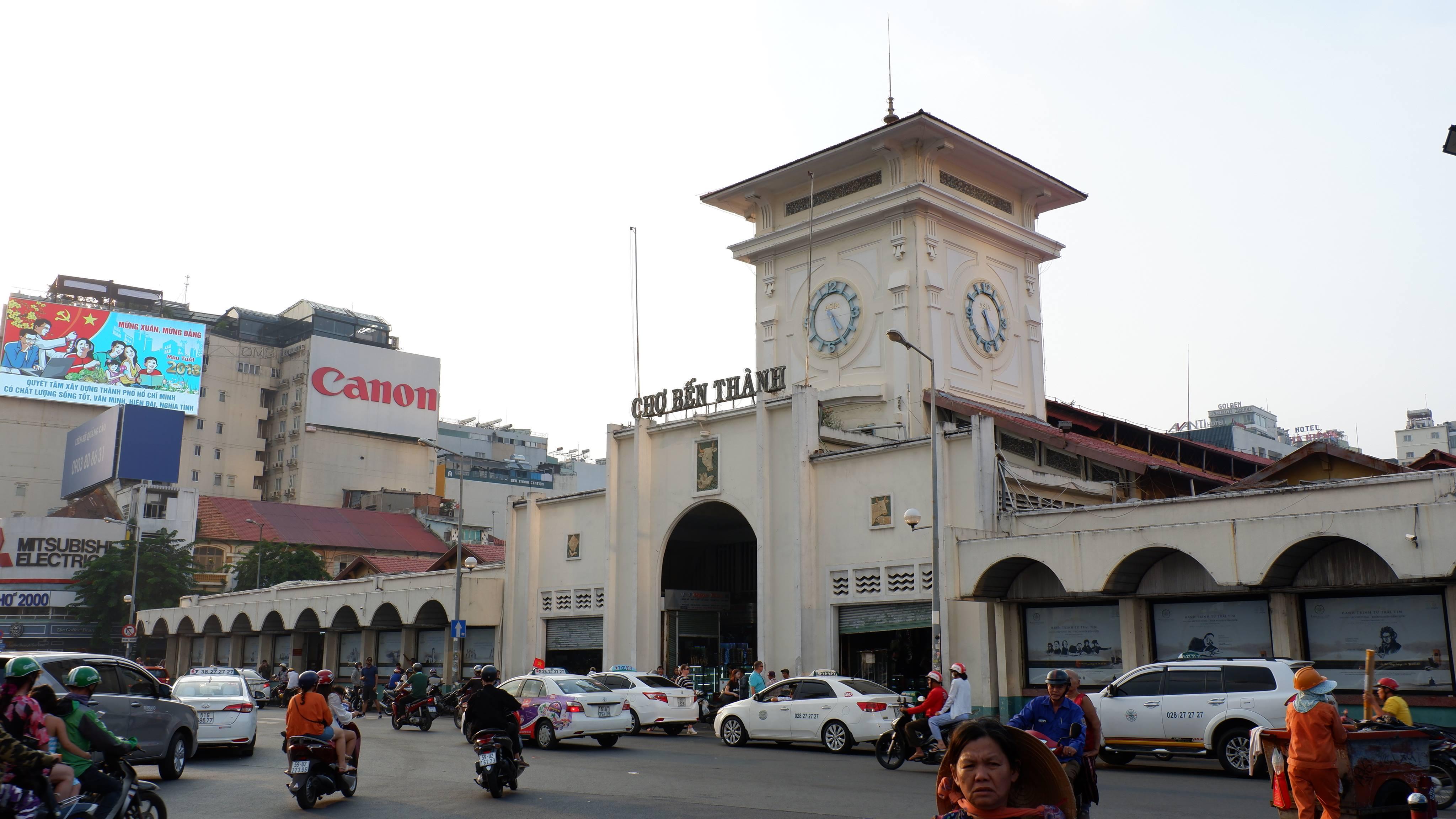 ben-thanh-market-vietnam (3)