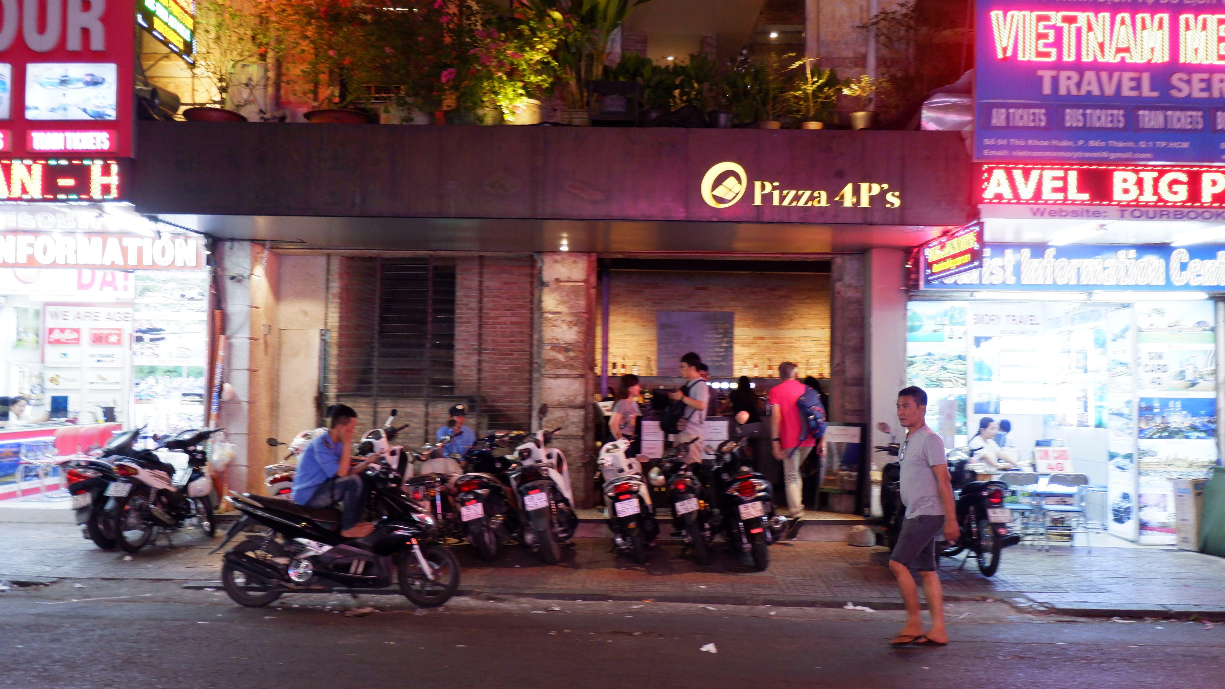 pizza-4ps-vietnam (2)