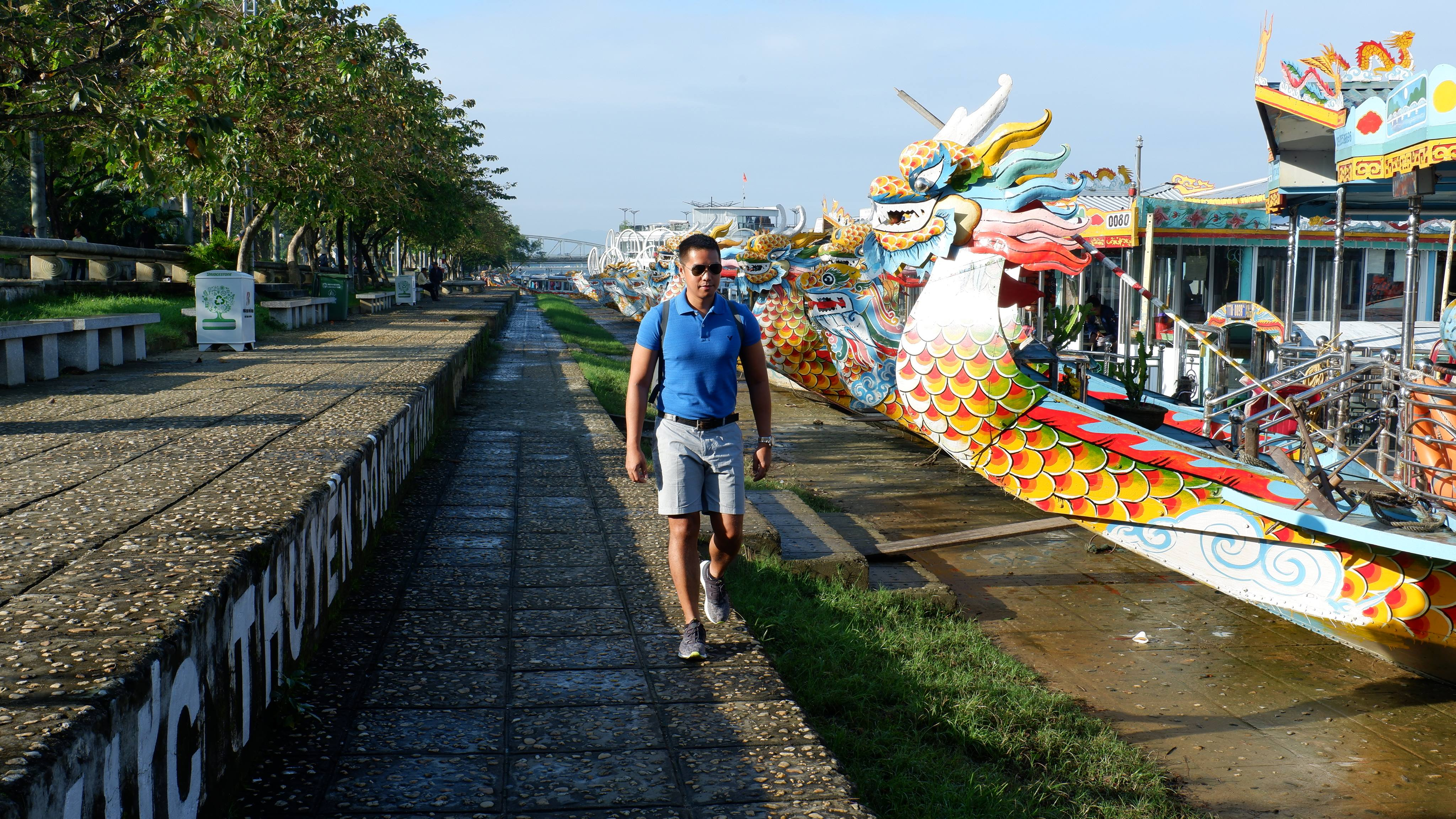 dragon-boats-hue-vietnam (1)