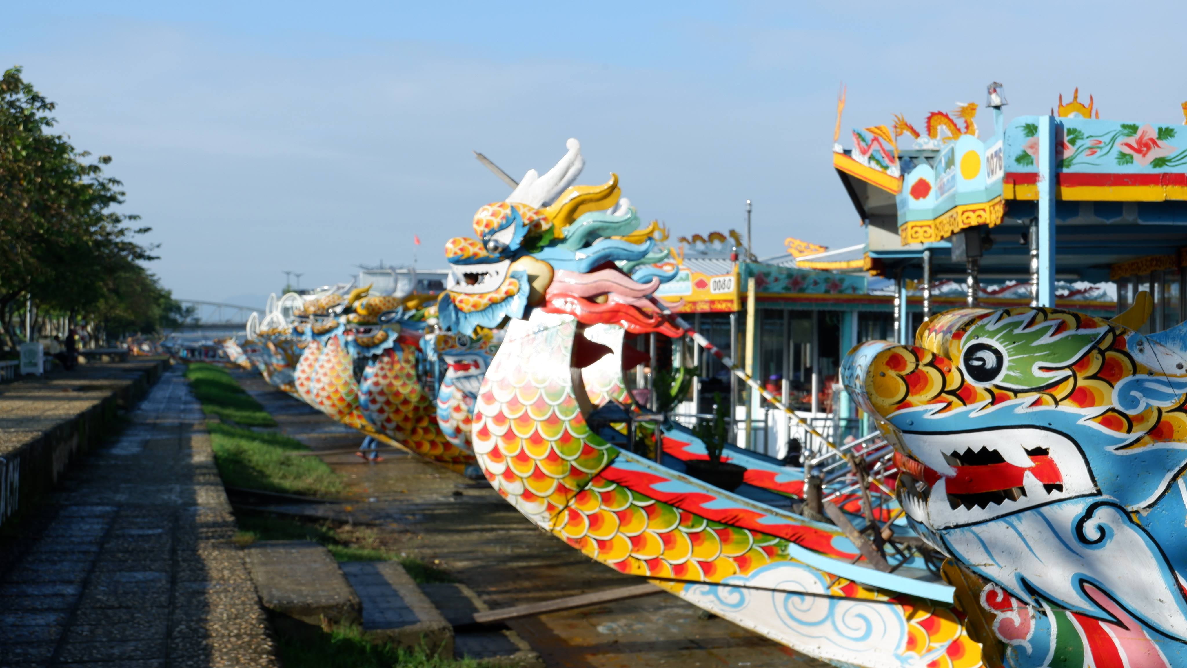 dragon-boats-hue-vietnam (4)