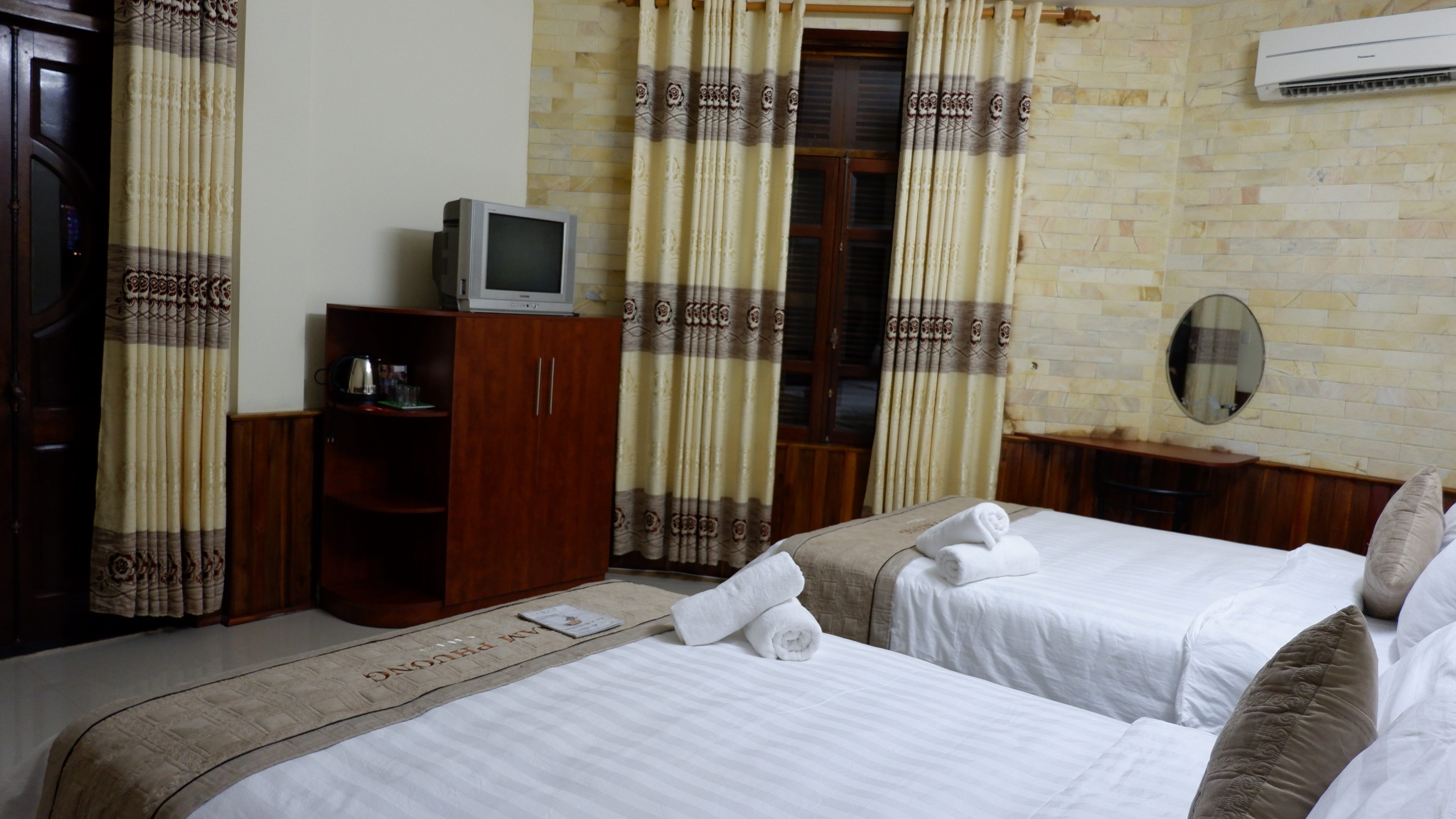 nam-phuong-hotel-hue-vietnam (2)