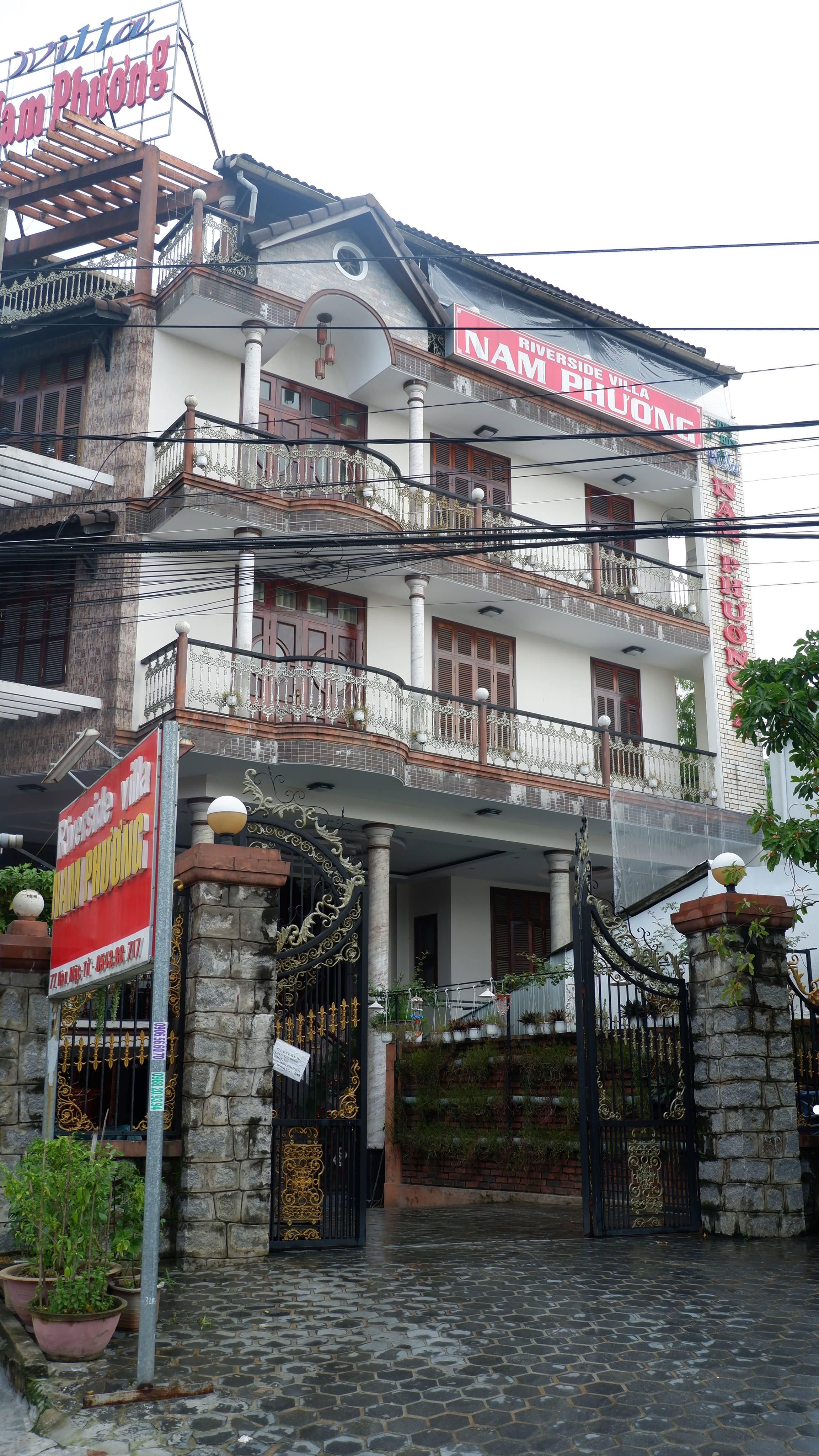 riverside-villa-nam-phuong-hotel-hue-vietnam (6)